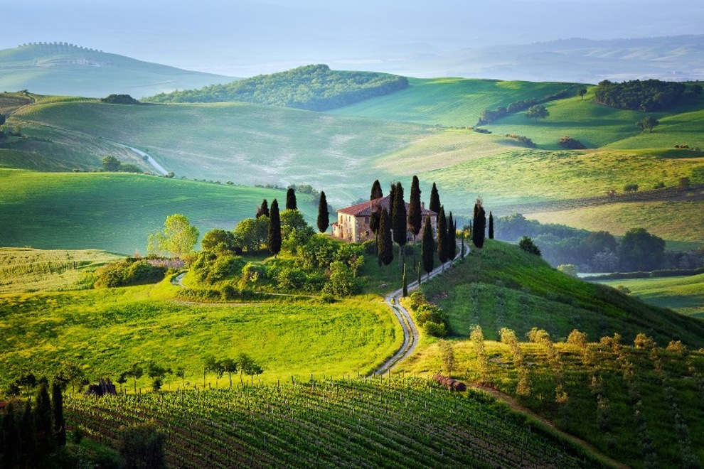 Villas and farmhouses for sale in Tuscany in a magical landscape where everything is kind around, everything is old and new