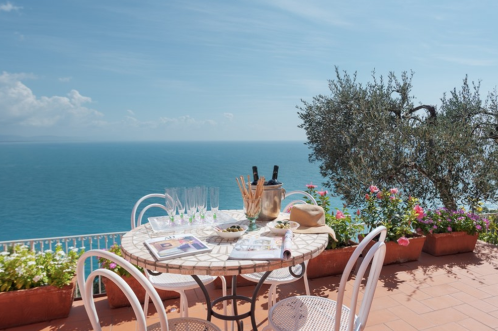 In Liguria, Punta Bianca, pristine places and villas for sale overlooking the sea