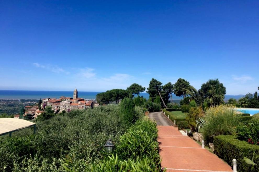 Dintorni di Camaiore, combinazione di paesaggi, scenari e ville di lusso in vendita