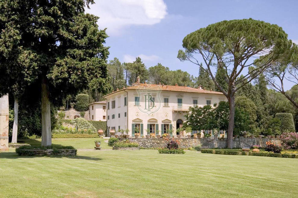 Real estate agency in Tuscany and Liguria, specialists in luxury real estate