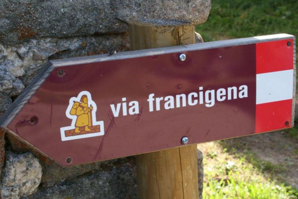 Camaiore, in vendita ville di prestigio lungo la via Francigena