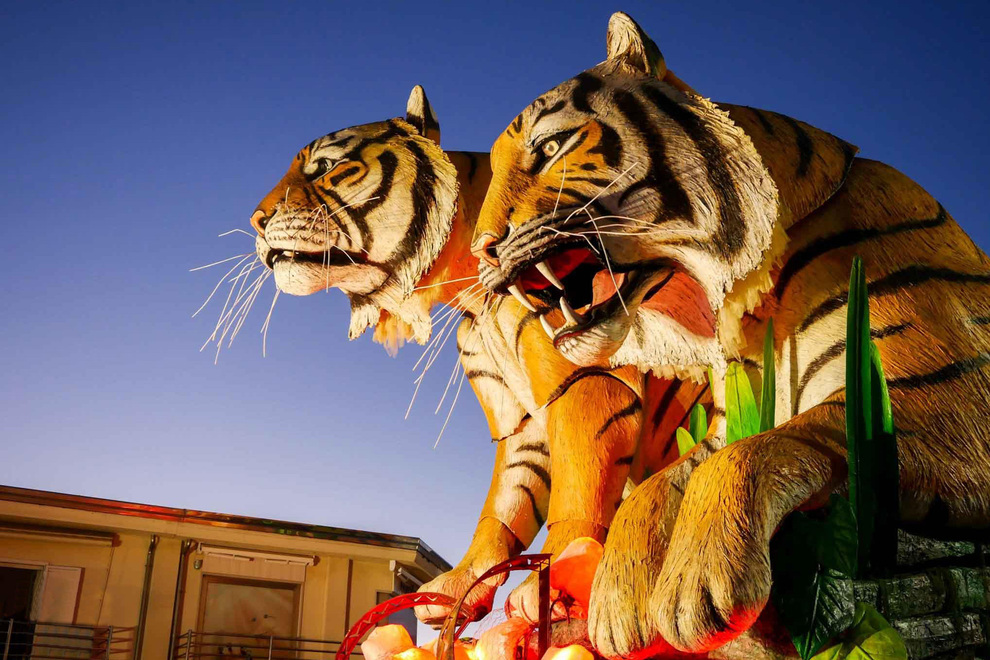 Carnival of Viareggio, prestigious properties on the promenade