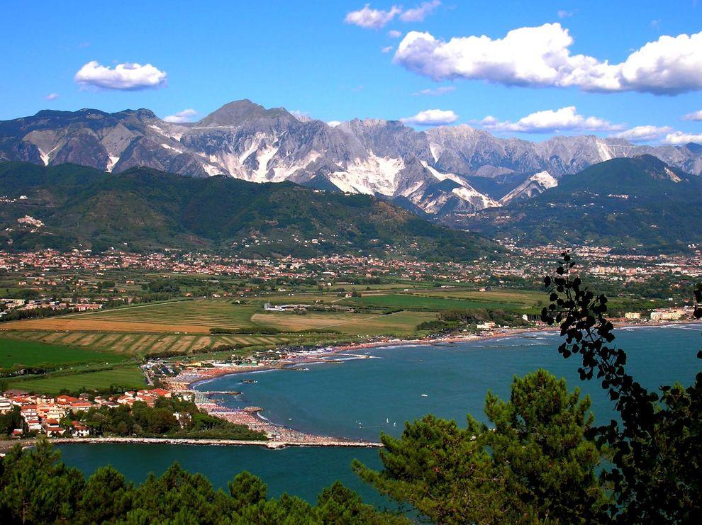 Riviera Apuana, ville di lusso in vendita a Ronchi e Poveromo