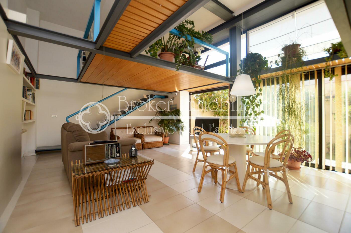 Appartamento in vendita a Viareggio con giardino e depandance a 50 metri dal mare