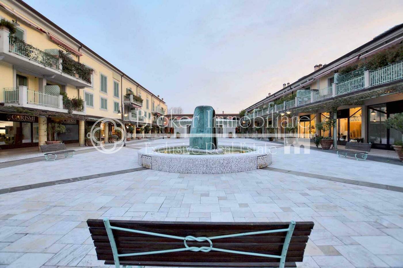 Appartamento in vendita a Pietrasanta con posto auto a 100 metri dal centro storico