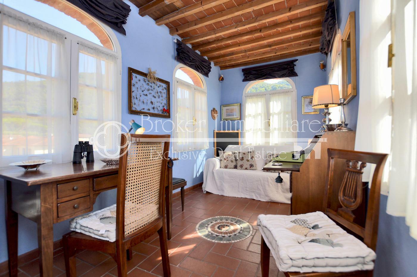 Caratteristico appartamento in palazzo storico di fine '700 tra Pisa e Lucca