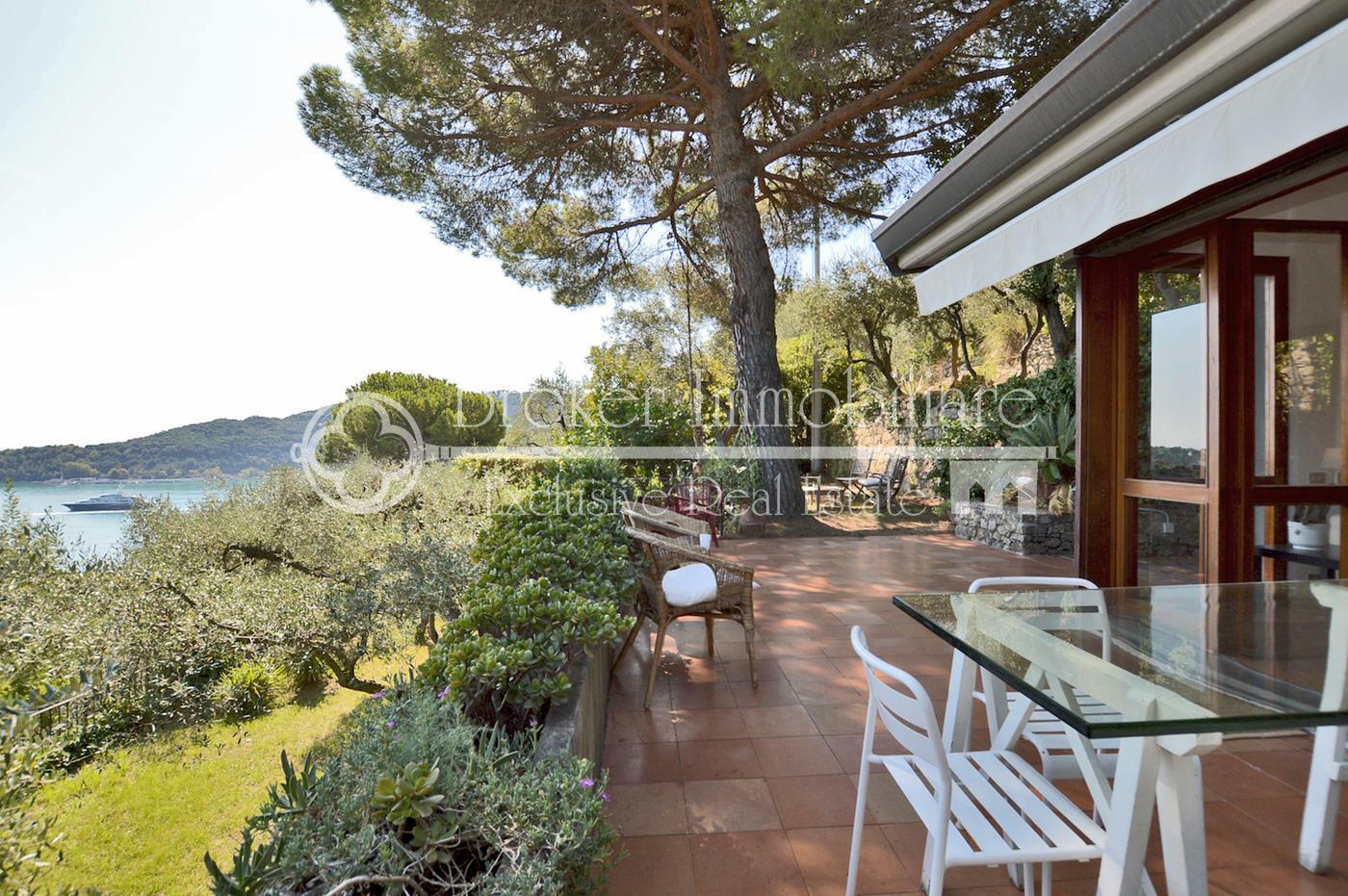 Villa in vendita a Portovenere in posizione panoramica