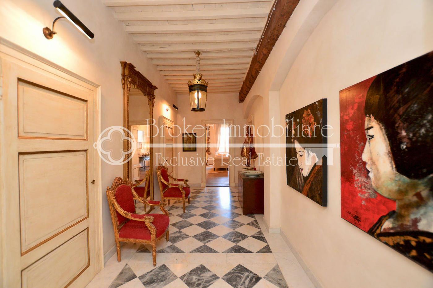 Prestigioso appartamento in vendita a Pietrasanta