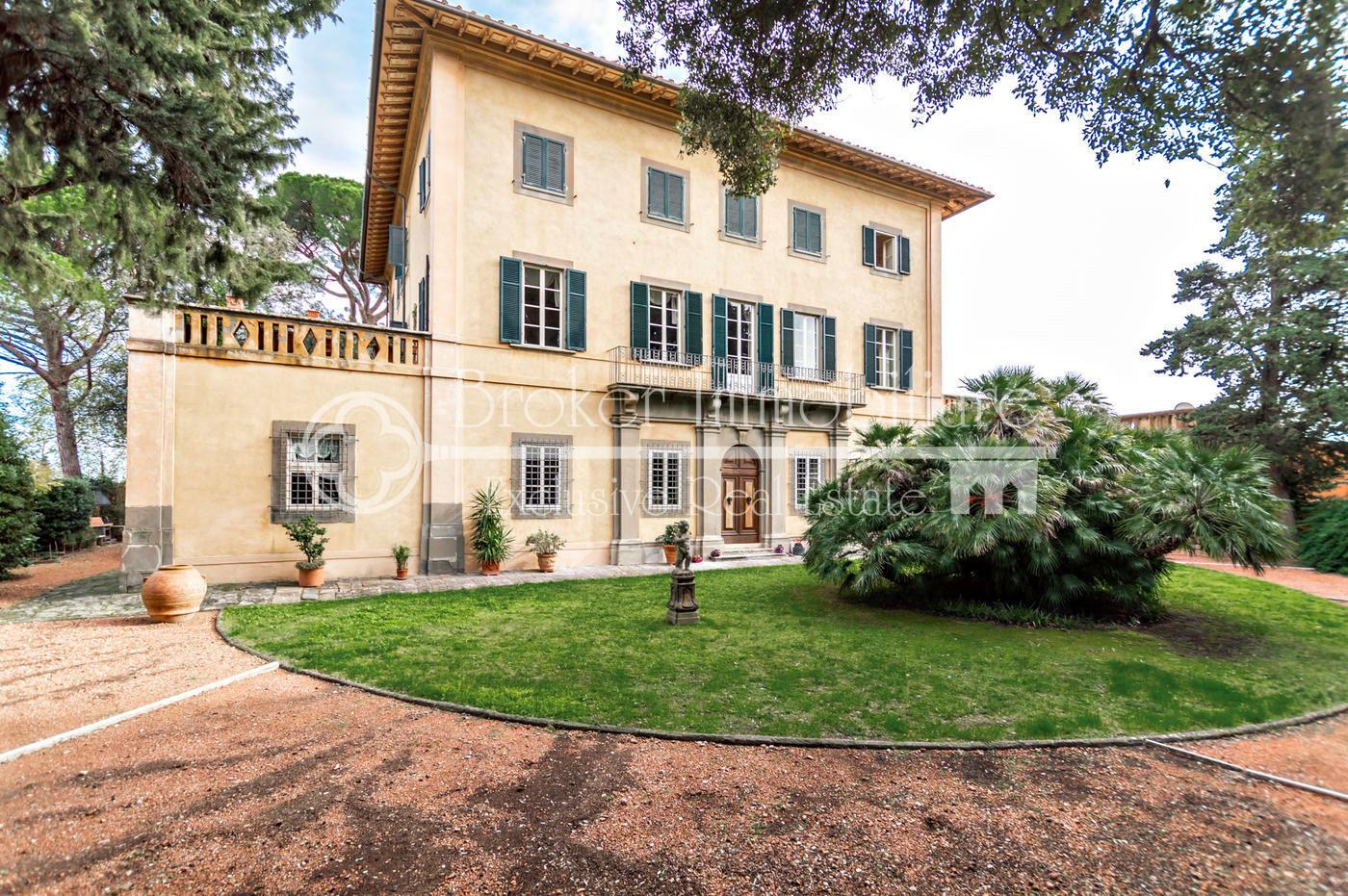 Magnifica villa storica del XVIII secolo in vendita sulle colline Pisane