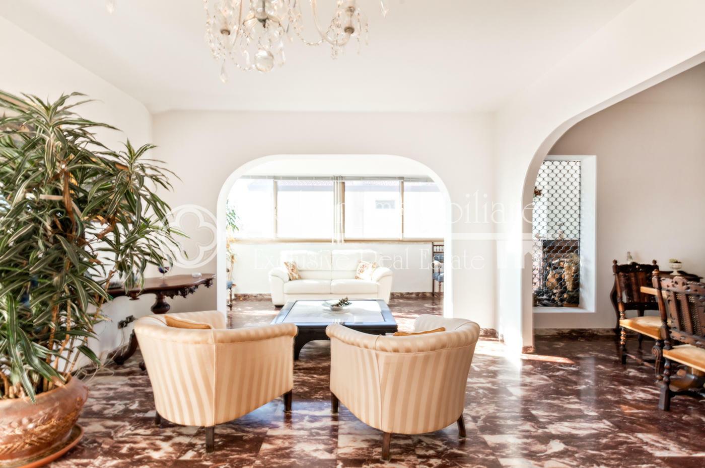 Ampio attico con terrazza in vendita a Lido di Camaiore